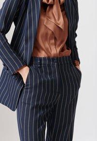 Dea Kudibal - Short coat - stripe - 3