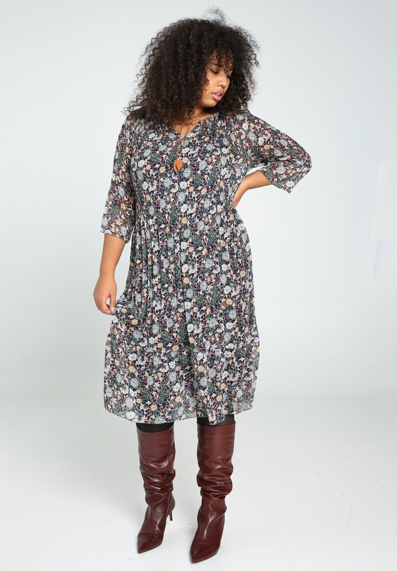 Paprika - Day dress - green