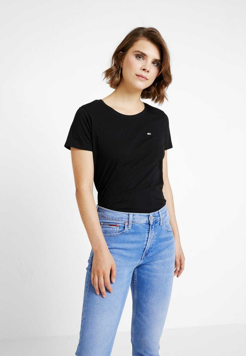 Tommy Jeans - SOFT TEE - T-shirts - black