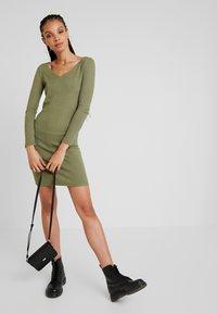 Noisy May - Day dress - olivine - 1