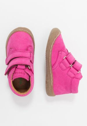KART SLIM FIT - Baby shoes - fuchsia