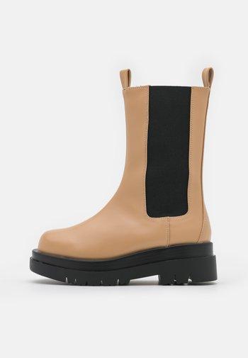 KENDALL - Platform boots - camel