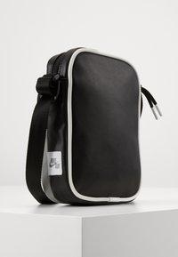Jordan - FESTIVAL - Across body bag - shadow - 0
