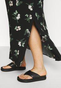 Vero Moda Curve - VMSIMPLY EASY SKIRT - Maxi skirt - black/ann - 5