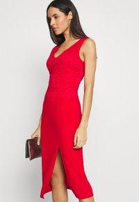 WAL G. - BRINLEY MIDI DRESS - Sukienka z dżerseju - red - 3