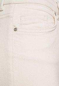 ONLY Petite - ONLBLUSH RAW - Jeans Skinny Fit - ecru - 5
