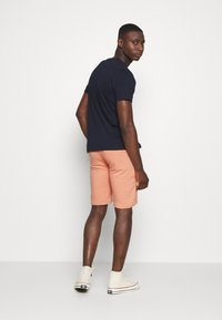 Night Addict - ROSS - Shorts - coral - 2