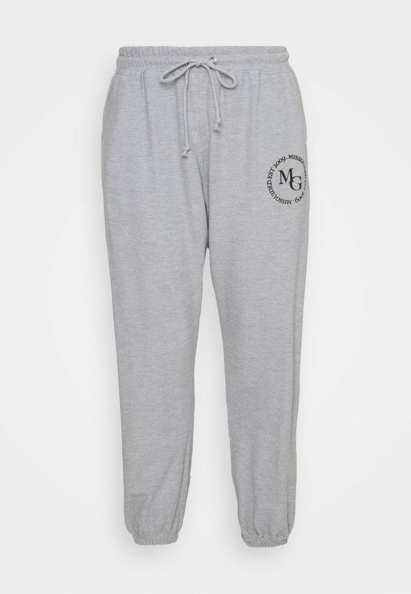 Missguided Plus - OVERSIZED JOGGER WAFFLE - Teplákové kalhoty - grey