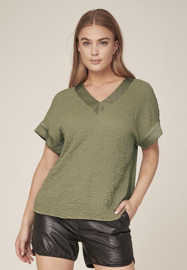 T-shirt basic - green moss