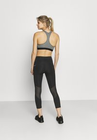 Nike Performance - EPIC FAST CROP - Tights - black/silver - 3