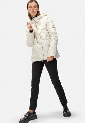 Winter jacket - milchig