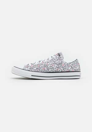 CONVERSE X KEITH HARING CHUCK TAYLOR ALL STAR - Sneakersy niskie - white/black