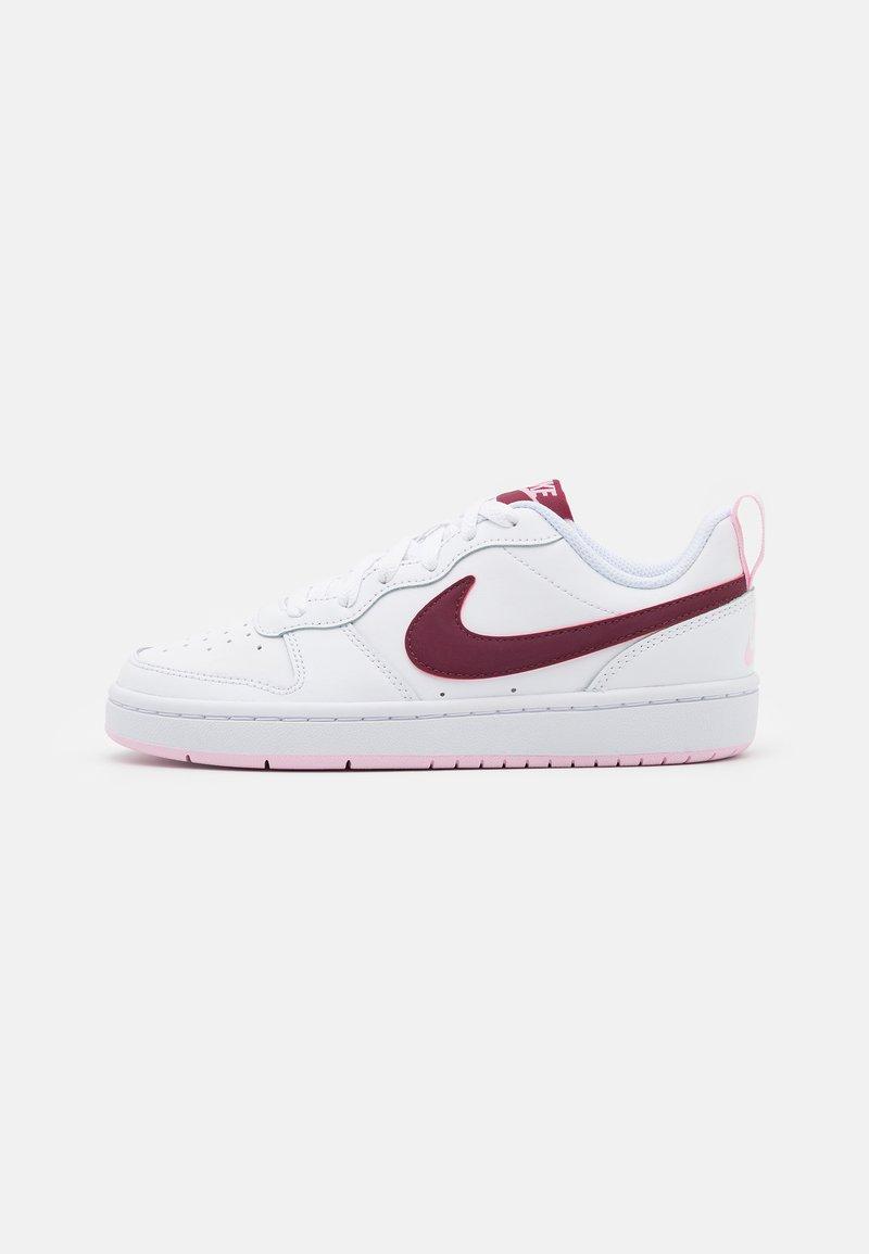 Nike Sportswear - COURT BOROUGH UNISEX - Sneakersy niskie - white/dark beetroot