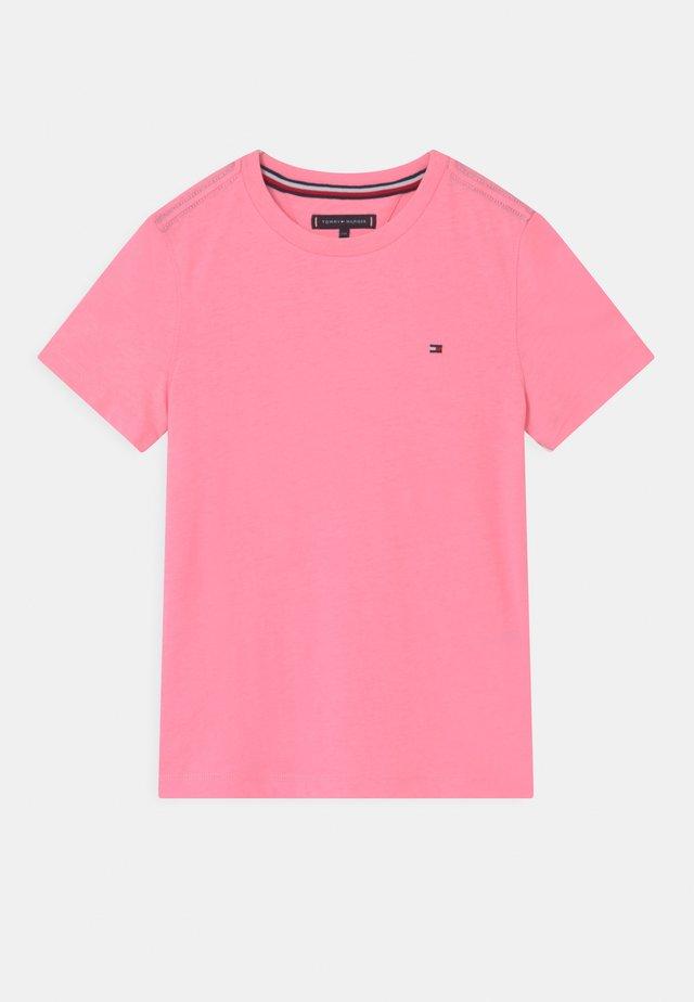 ESSENTIAL - T-shirt - bas - cotton candy