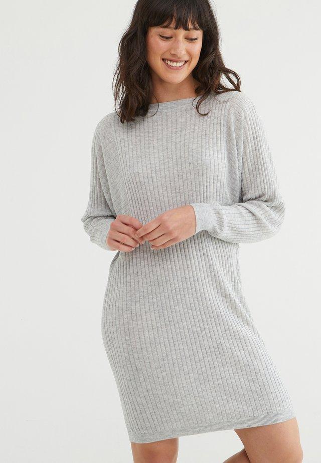 Jumper dress - grey