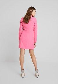 Missguided - BLAZER DRESS - Pouzdrové šaty - pink - 2
