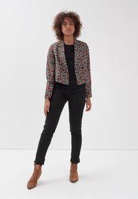 BONOBO Jeans - Pantalones chinos - noir - 1
