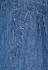 Cream - ENCELLA - Denim shorts - blue denim - 2