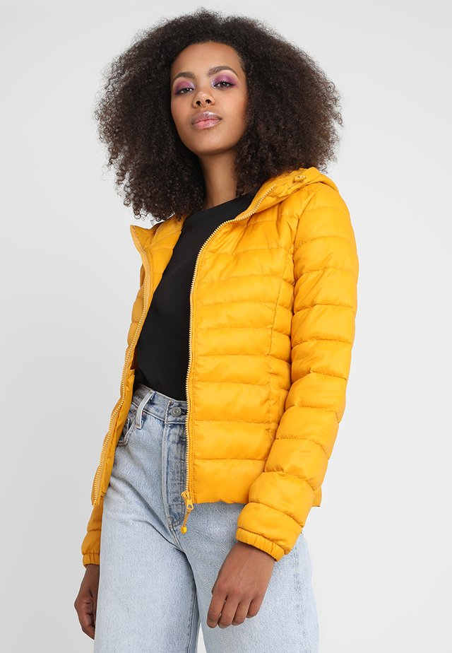 ONLTAHOE  - Chaqueta de invierno - golden yellow