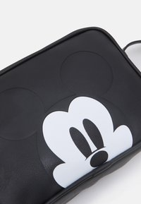 Kidzroom - SHOULDER BAG MICKEY MOUSE MOST WANTED ICON - Across body bag - black - 3