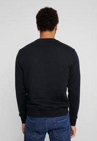 New Balance - ATHLETICS STADIUM CREW - Sweatshirt - black - 2