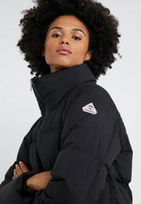 PYRENEX - BARROW - Down coat - black - 4