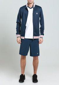 Fila - OLE FUNCTIONAL - Sportovní bunda - peacot blue - 0