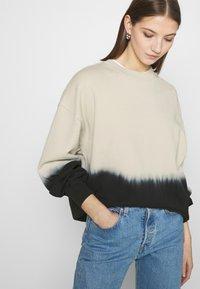 Levi's® - PAI - Sweatshirt - white dip dye - 3