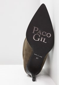 Paco Gil - CLAIRE - Classic ankle boots - dehesa - 6
