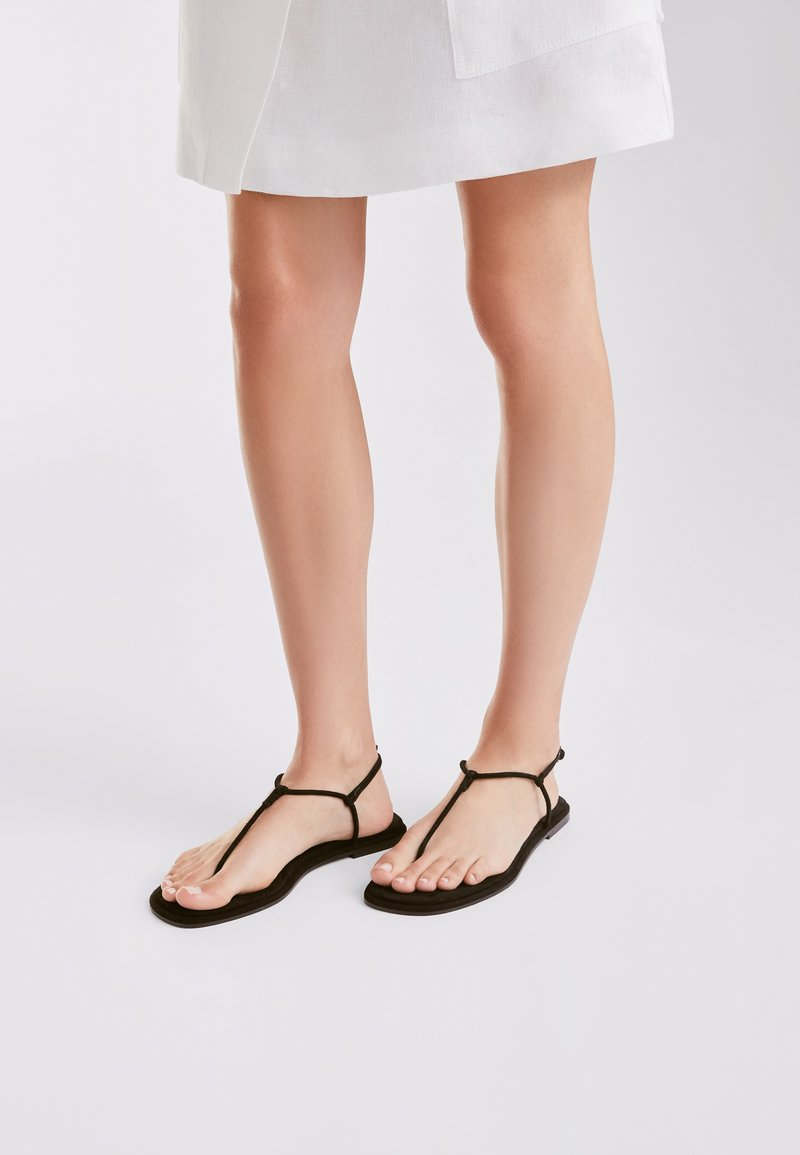 Massimo Dutti - T-bar sandals - black