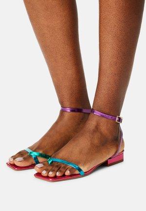 AMANI - T-bar sandals - pink