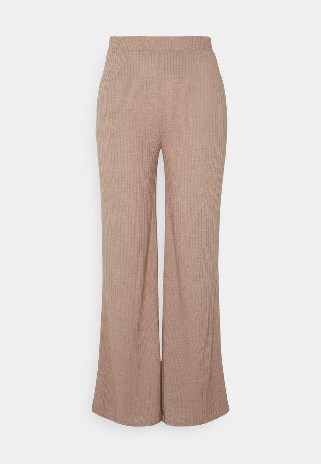 PANTS - Pantalones - warm taupe