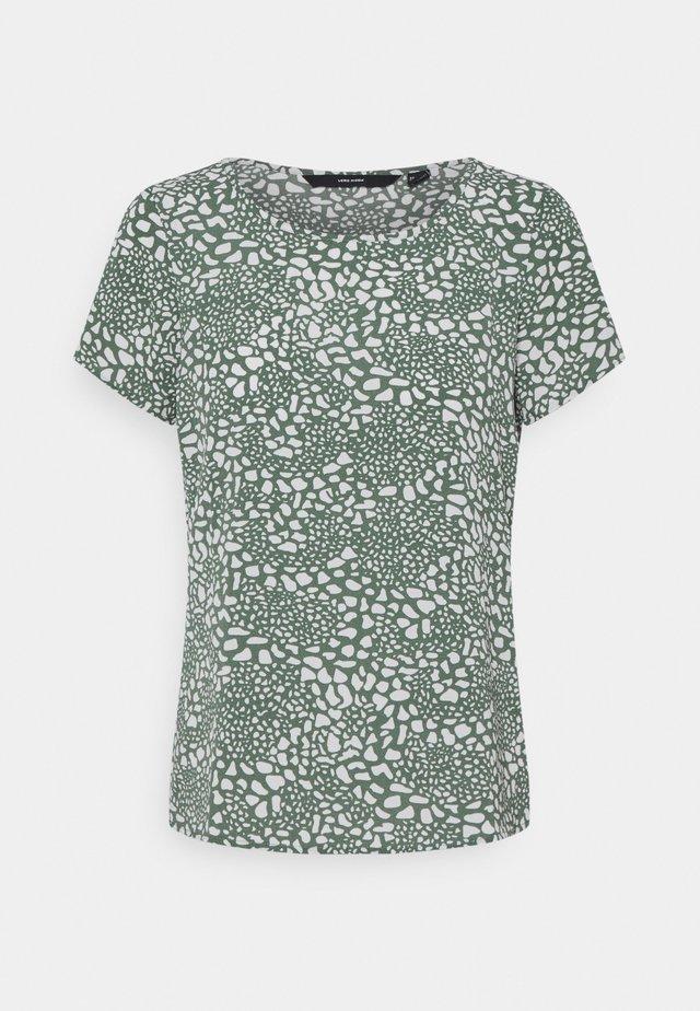 VMSAGA - T-shirt print - laurel wreath/danna