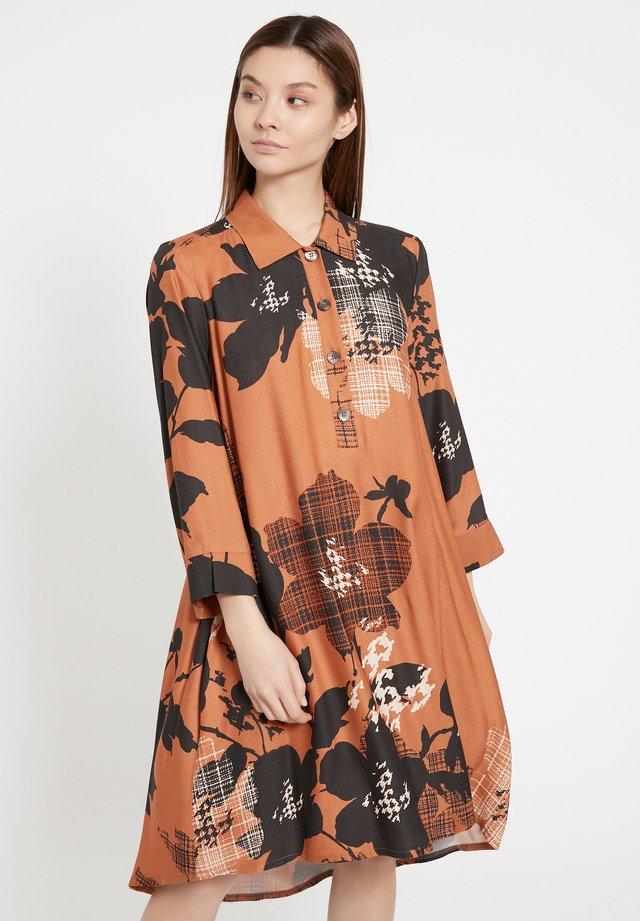 BAPLY - Robe chemise - braun