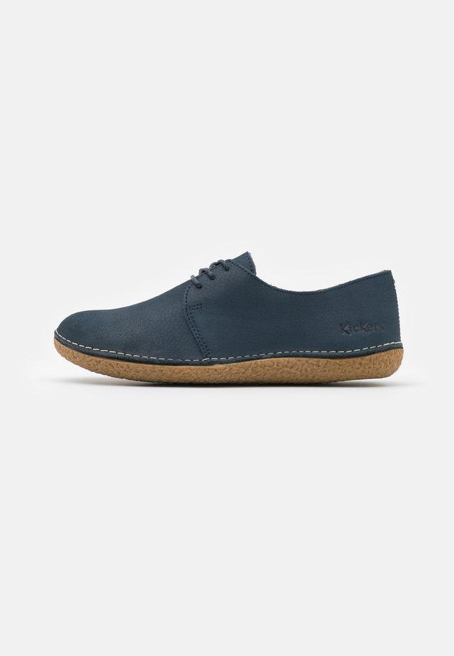 HOLSTER - Chaussures à lacets - marine