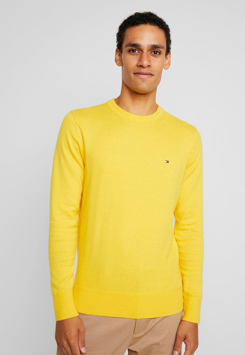 Tommy Hilfiger - PIMA CREW NECK - Stickad tröja - yellow