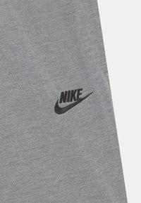Nike Sportswear - Verryttelyhousut - carbon heather/black - 2