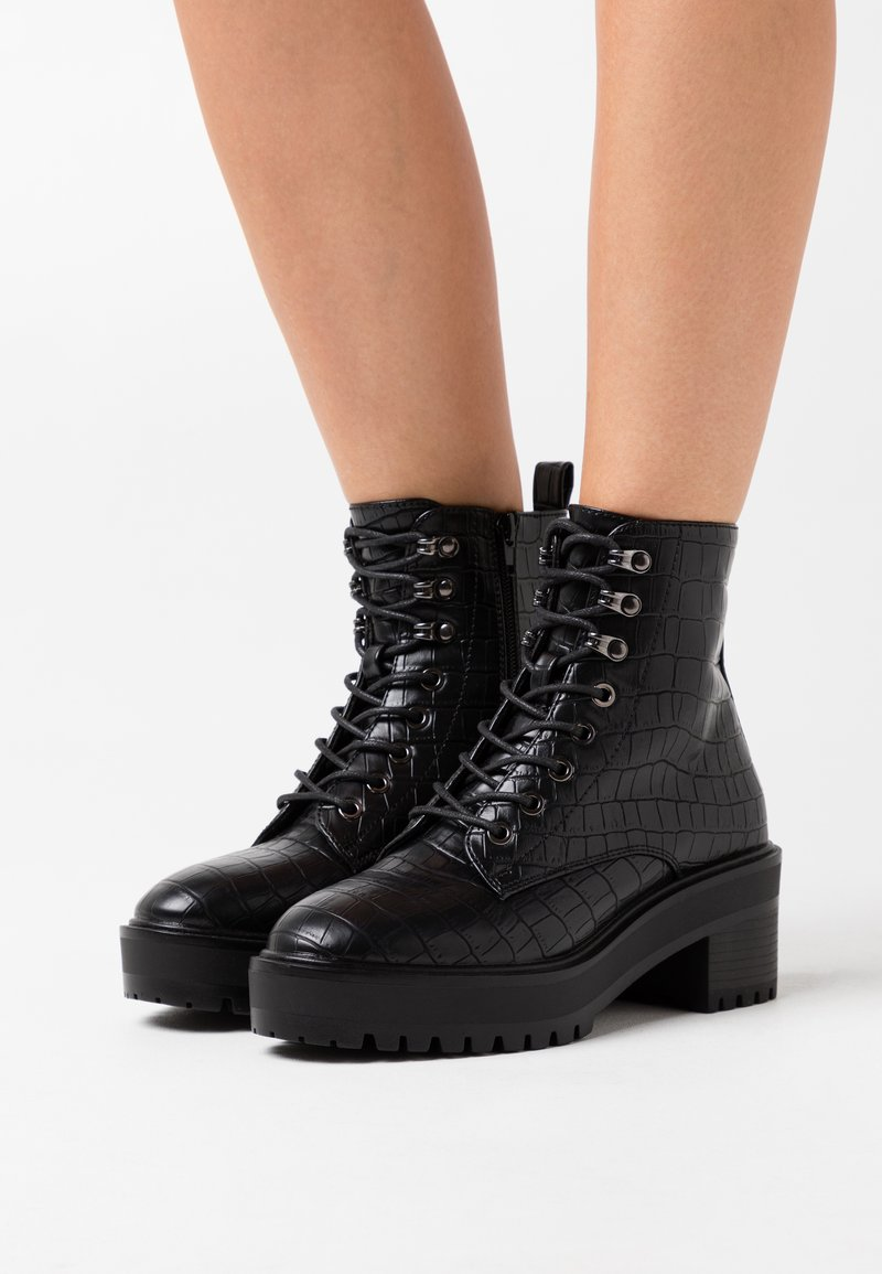 Vero Moda Wide Fit - VMTESS BOOT WIDE FIT - Platåstøvletter - black