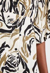 Culture - CUNIVI DRESS - Skjortekjole - whitecap - 5