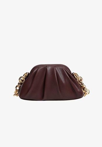 LUSI - Handbag - bordeaux