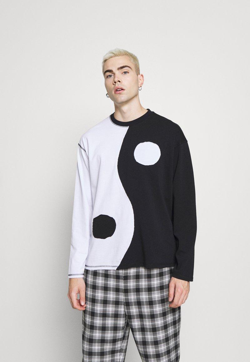 Jaded London - CUT AND SEW YIN AND YANG - Camiseta de manga larga - black/white
