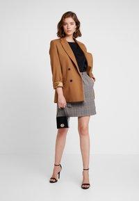 ONLY - ONLRIGIE SAVIL SKIRT - Mini skirt - light brown - 1