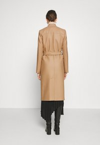 IVY & OAK - DOUBLE COLLAR COAT - Classic coat - camel - 2