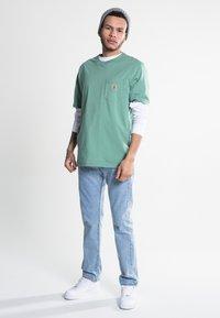 Carhartt WIP - Basic T-shirt - catnip - 1