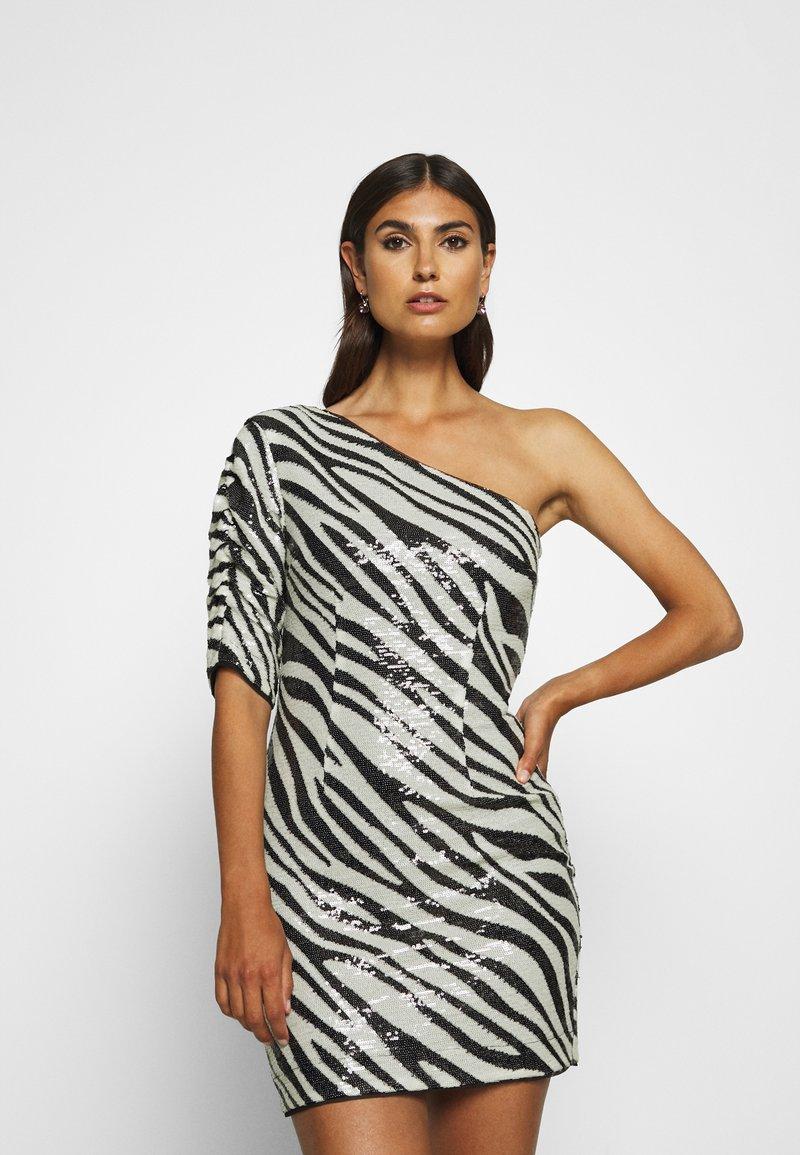 Guess - FLORENCE DRESS - Cocktail dress / Party dress - black/white