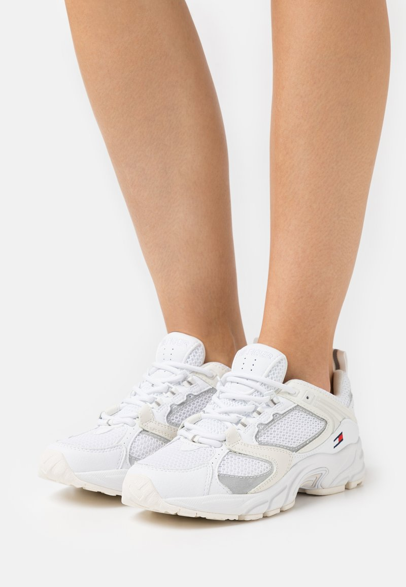 Tommy Jeans - ARCHIVE RUNNER - Trainers - white