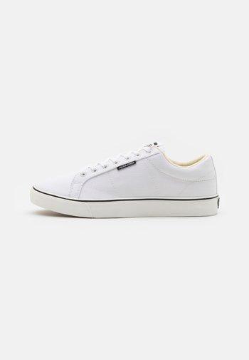 JFWCARTER - Sneaker low - bright white