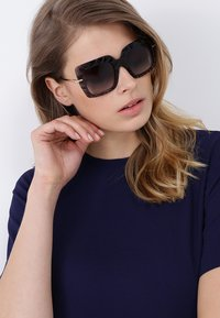 Dolce&Gabbana - Solglasögon - grey - 1