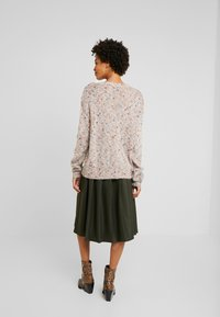Cream - DICTE OVERSIZE JUMPER - Jumper - soft camel - 2