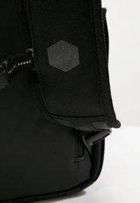 ASICS - COMMUTER BAG - Sports bag - performance black - 8